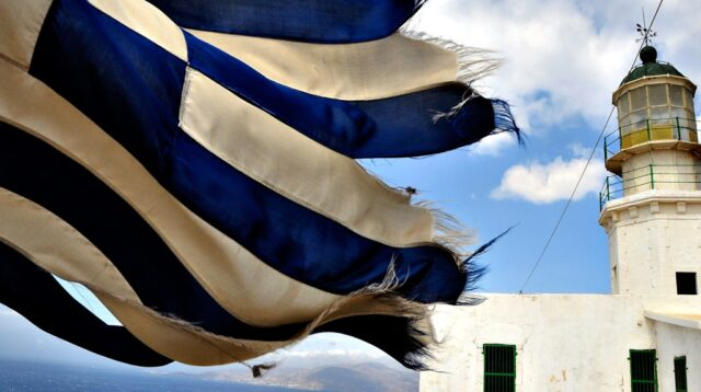 Santorini vs Mykonos…Who will win?