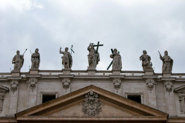Virtual Tour: Easter in Italy