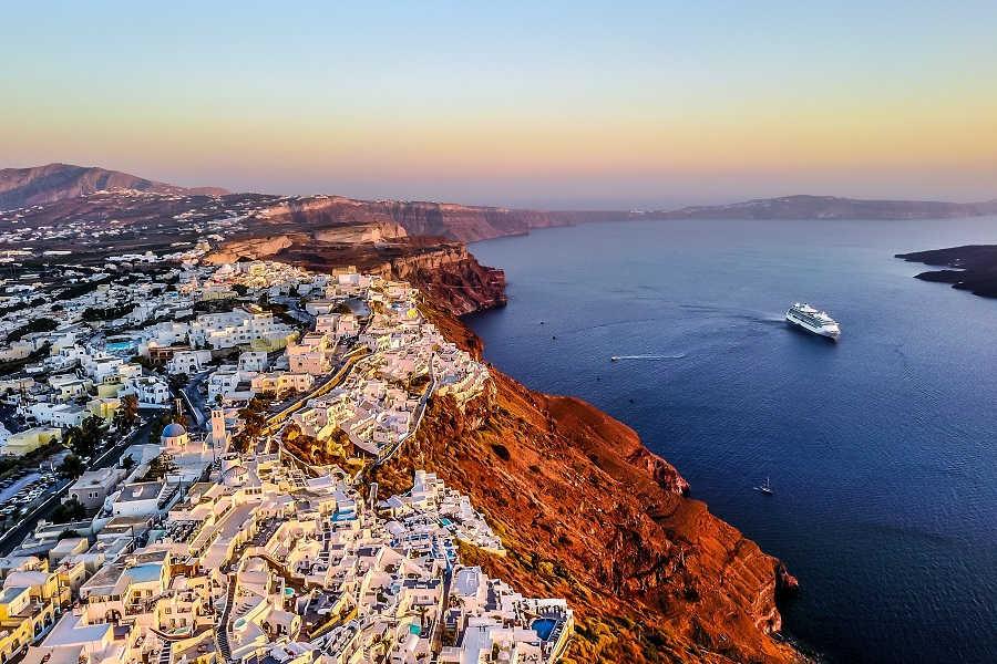 https://www.ipomehotels.com/wp-content/uploads/2020/03/Santorini-by-Photo-by-Andreas-NextVoyagePL-on-Unsplash.jpg