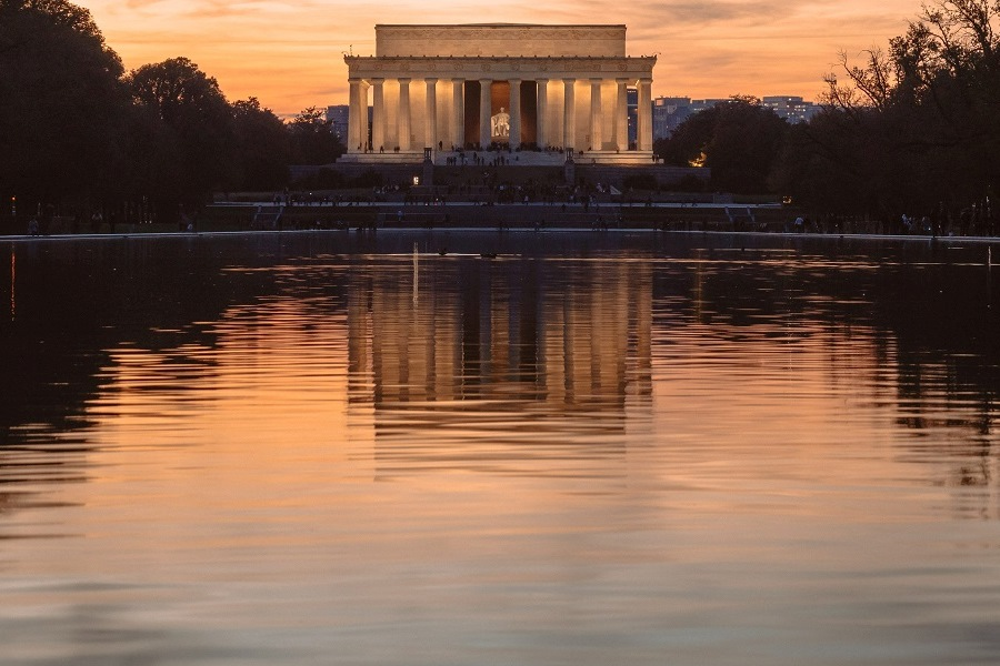 https://www.ipomehotels.com/wp-content/uploads/2020/04/Attrazioni-da-vedere-almeno-una-volta-nella-vita-Lincoln-Memorial-by-Photo-by-Andy-Feliciotti-on-Unsplash.jpg