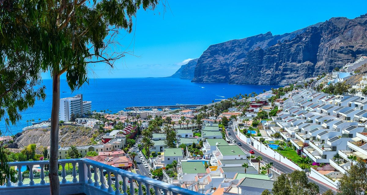 https://www.ipomehotels.com/wp-content/uploads/2020/07/Tenerife-Los-Gigantes-Photo-by-Zinaida-Belaniuk-on-FlickR-1200x640.jpg