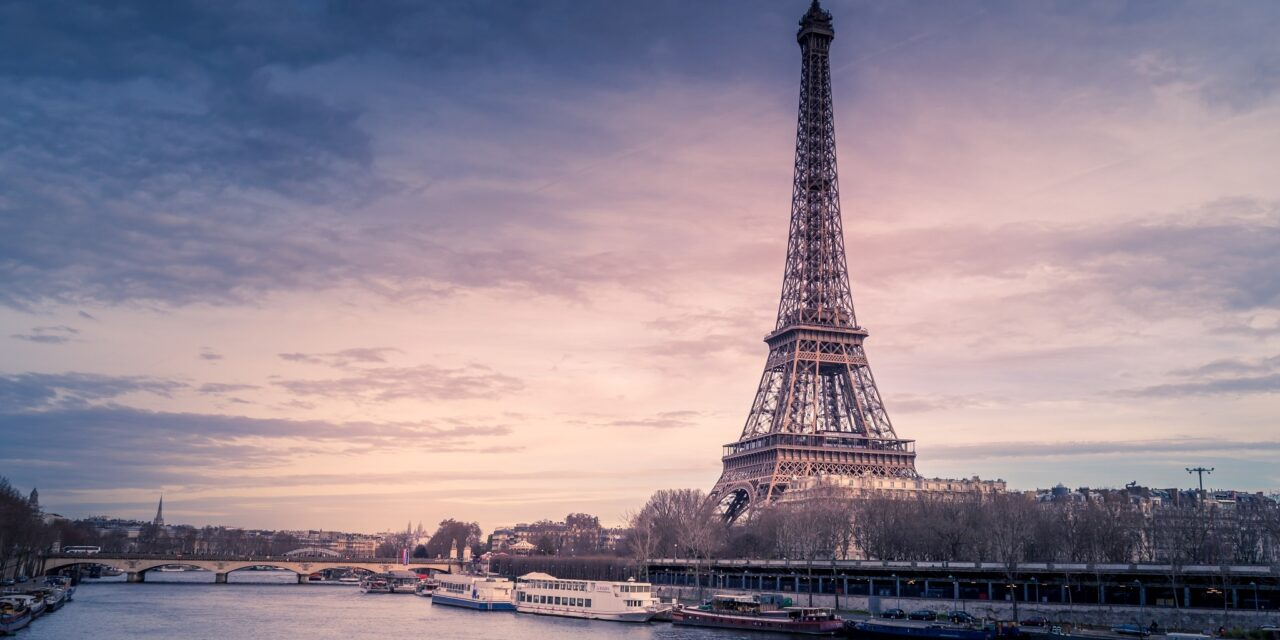 https://www.ipomehotels.com/wp-content/uploads/2021/04/Paris-Photo-by-Chris-Karidisa-on-unsplash-1280x640.jpg